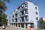Уютно обзаведен тристаен апартамент, който  само до края на месец юли можете да наемете на месечен наем от 350€